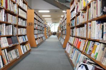 中央図書館2