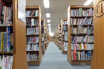 中央図書館3