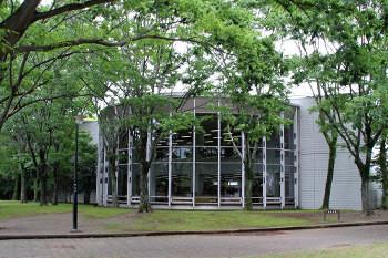 中央図書館1